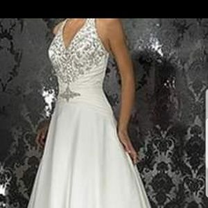 Allure Bridal Gown NEW NEVER WORN